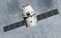 For the power supply, the solar arrays of the Dragon capsule are oriented towards the sun by maxon motors. Foto: NASA